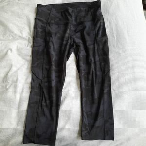 """Lululemon Fast and Free High Rise Crop 19"""" sz 10"""